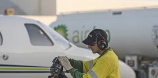 Air_BP_refuels_an_operators_aircraft_in_Australia