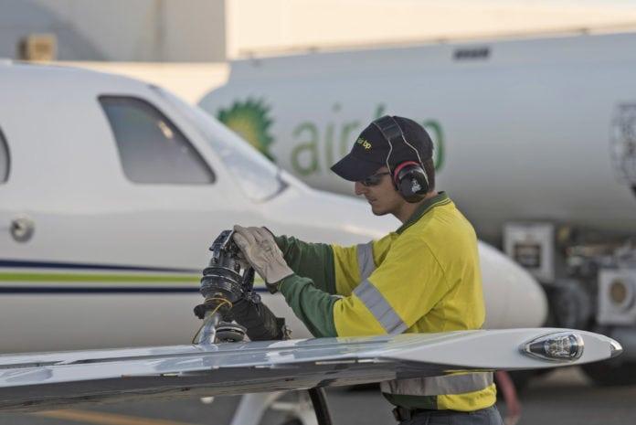 Air_BP_refuels_an_operators_aircraft_in_Australia