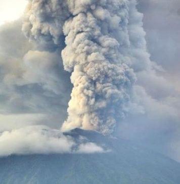 Bali airport shut down due to Mount Agung