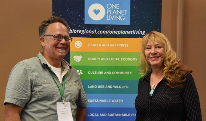 Oren Wool & Pamela Lanier at sustainable tourism conference/Photo courtesy of Karen Preuss