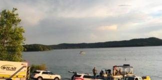 Tourist boat sinks on Missouri lake, at least 8 passengers killed