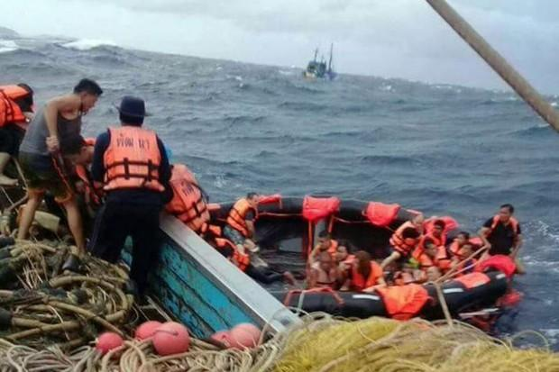 tourists, 49 Chinese tourists missing in Phuket tour boat disaster, Buzz travel | eTurboNews |Travel News