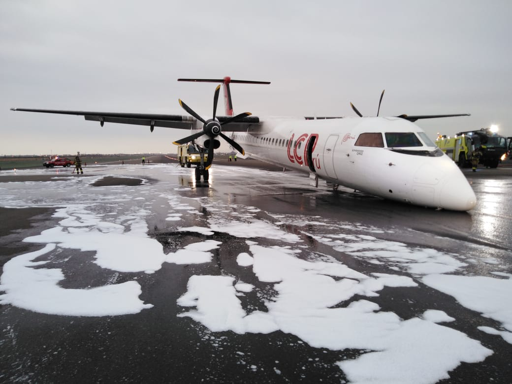 Plane makes hard landing in Peru after nose gear fails to deploy