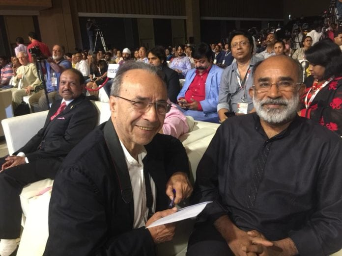 L-R - eTN Ambassador from Italy Mario Masciullo and India Minister of Tourism Hon. Alphons