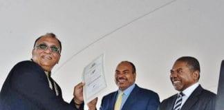 Zanzibar President handing out certificate