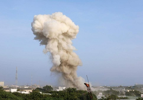 17 people killed in suicide bomb attack on Mogadishu's luxury Hotel Safari