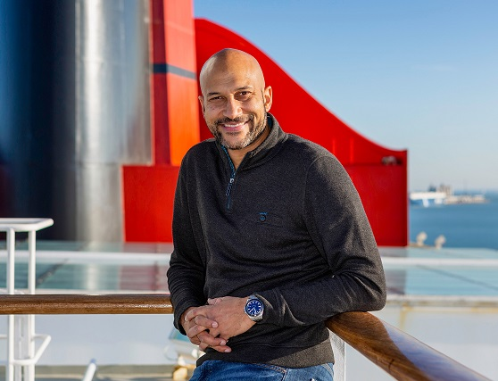 Acclaimed entertainer sails the Atlantic with Cunard