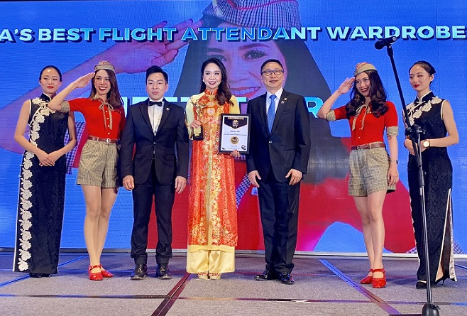 "Vietjet wins ""Asia's Best Flight Attendant Wardrobe"" 2018 award"
