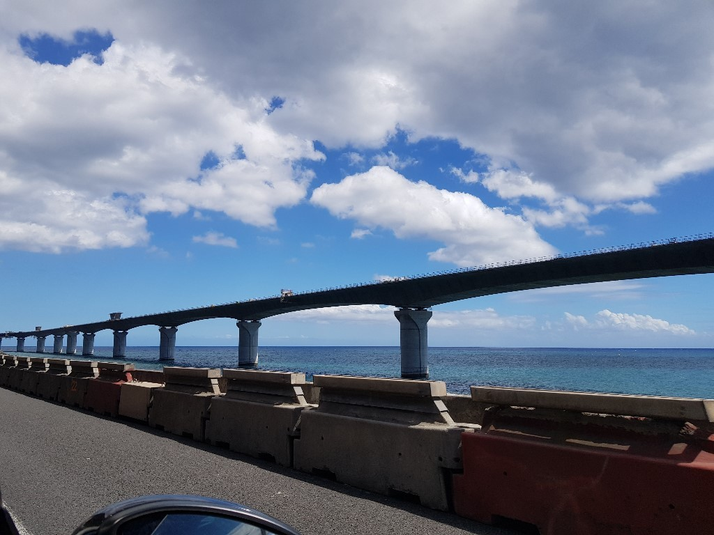 Reunion Island: When highway construction becomes a tourist stop
