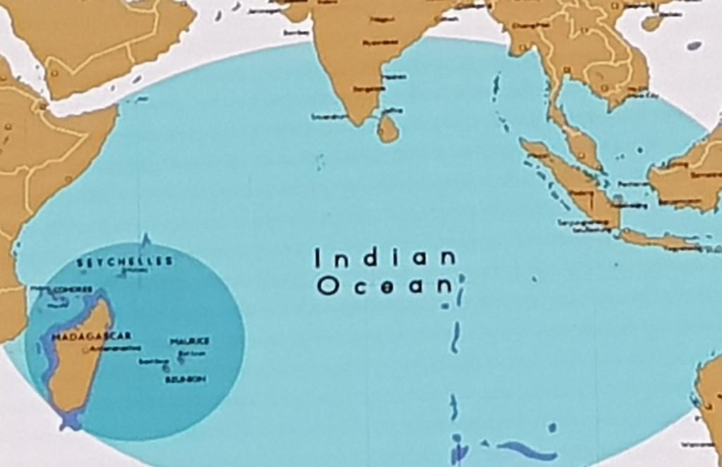 Reunion Island courts Mauritius to visit