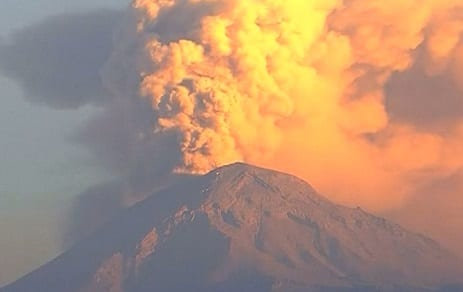 Mexican volcano eruption sends ash two kilometers into the air