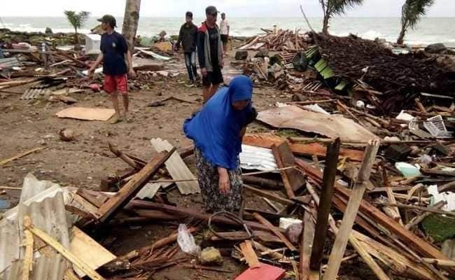 Indonesia: Tsunami killed at least 373 people, injured over 1,400