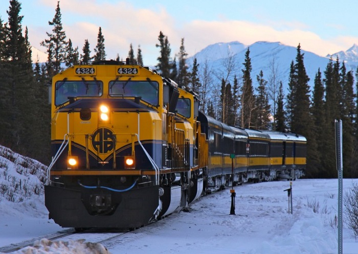 Alaska Railroad resumes services following earthquake