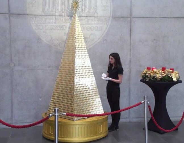 Most expensive 'Christmas tree' in Europe made of pure gold