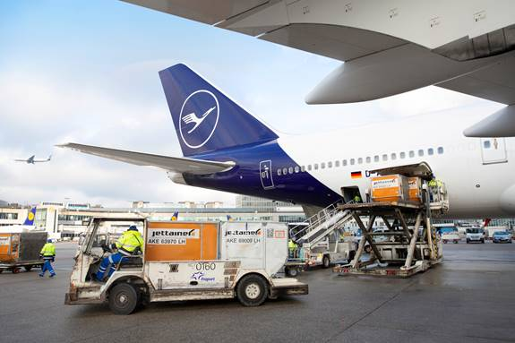 Lufthansa and Fraport Extend Ground Handling Partnership at Frankfurt Airport