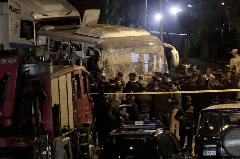 Roadside bomb in Egypt kills tourists