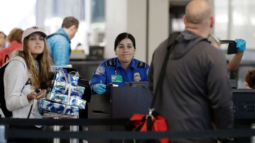 US Travel: Shutdown sending immediate shockwaves throughout US economy