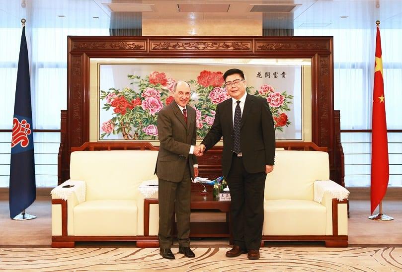 , Qatar Airways buys into largest Chinese airline, Buzz travel | eTurboNews |Travel News