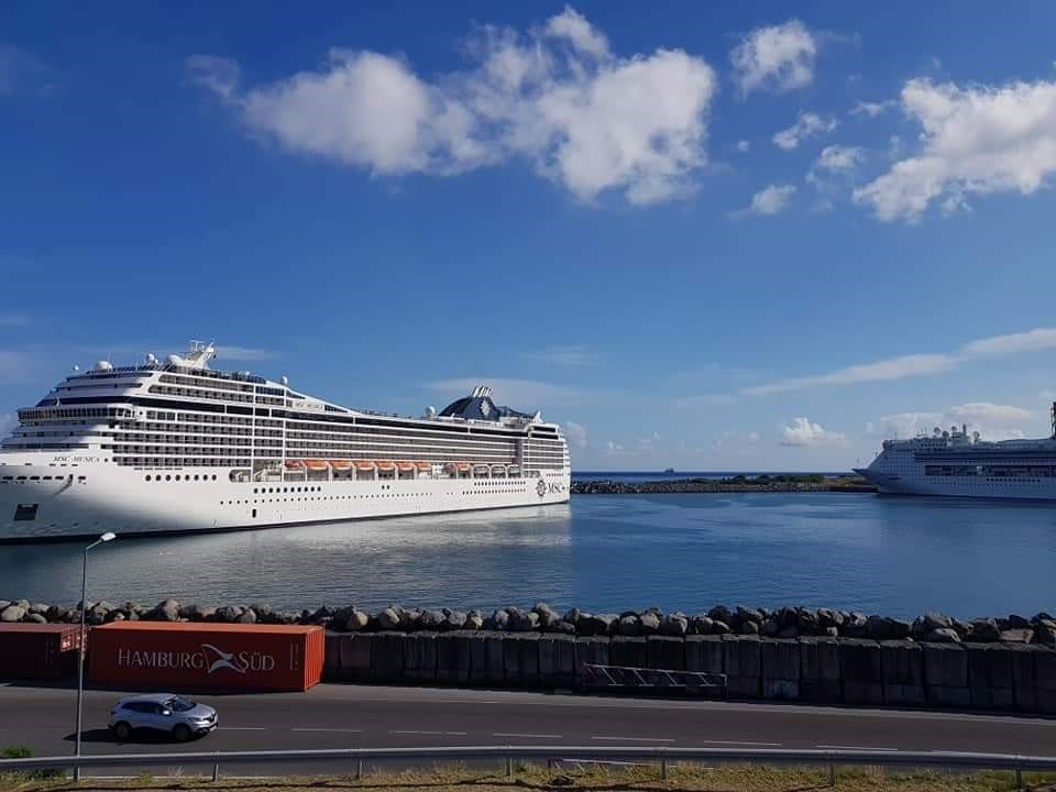 Reunion Island welcomes 7,000 cruise passengers in one go