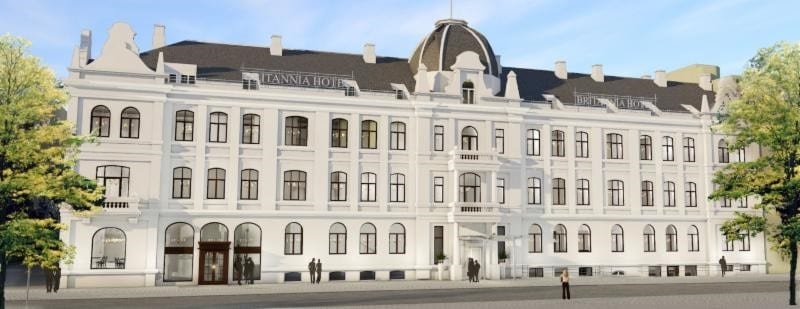 """World's most northerly """"Grand Dame"""" hotel set to relaunch"""