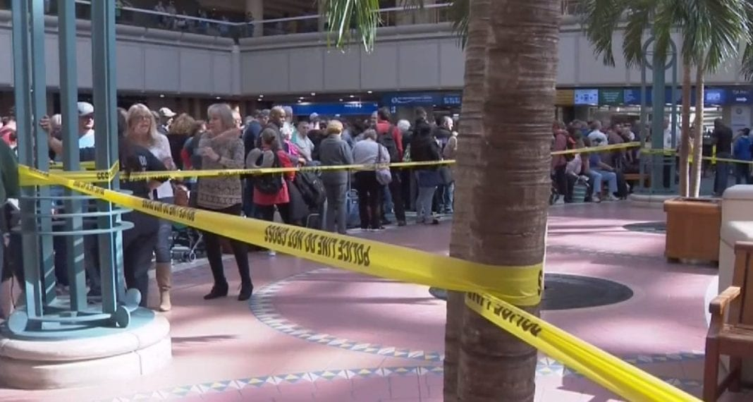 , TSA officer at Orlando Airport jumps to his death, Buzz travel | eTurboNews |Travel News