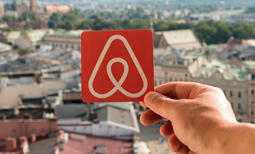 Airbnb slammed for anti-Semitism in Florida ad campaign | WorldNews