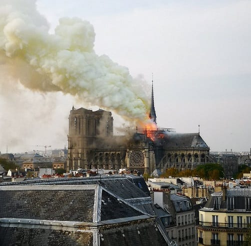 , Notre Dame cathedral inferno: Paris iconic tourist attraction on fire, Buzz travel | eTurboNews |Travel News
