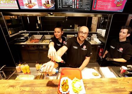 """""""Best Worscht in Town"""" brings a currywurst buffet to Frankfurt Airport"""