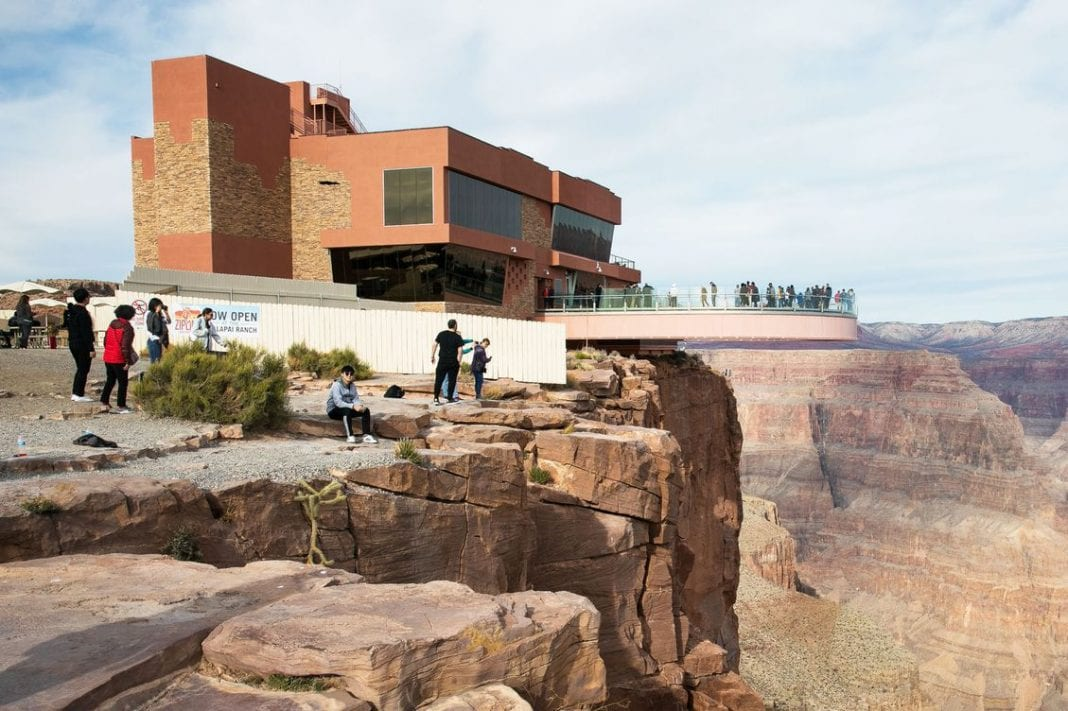 , Tourist dies taking selfie at Grand Canyon, Buzz travel | eTurboNews |Travel News