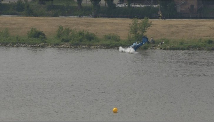 , Pilot killed after plane crashes into river at Polish airshow, Buzz travel | eTurboNews |Travel News