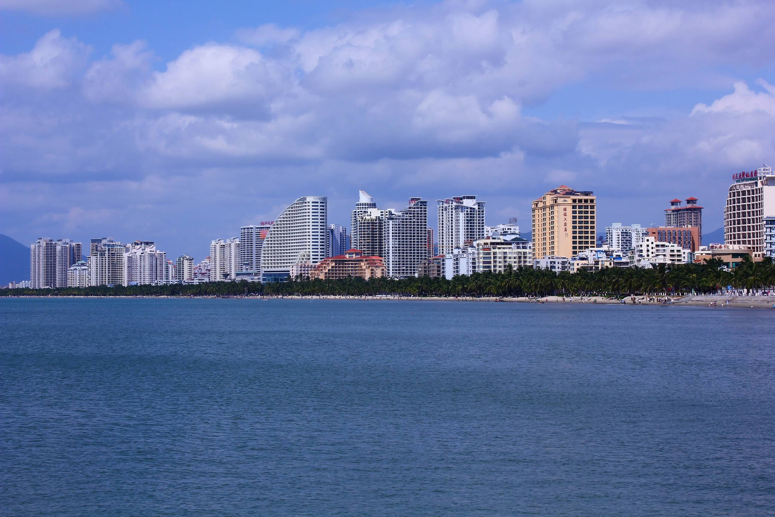Hainan resort town set to become China's first language barrier-free international city