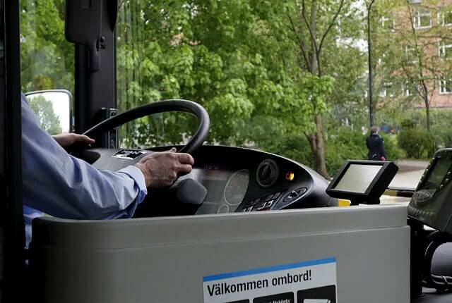 """Swedish woman kicked off bus in Swedish migrant town for wearing """"too few clothes"""""""