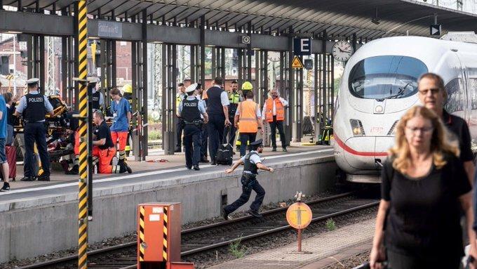 Frankfurt Main Train Station: Child killed in a possible terror attack