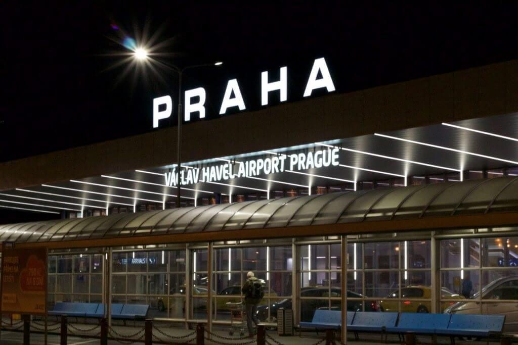 Prague Airport introducing digital signage in Korean, Chinese, Arabic, Russian and English