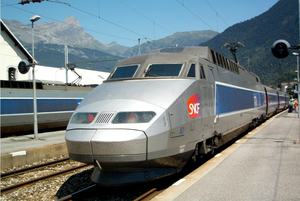 Italian senate approves high-speed alpine rail link between Turin and Lyon, France