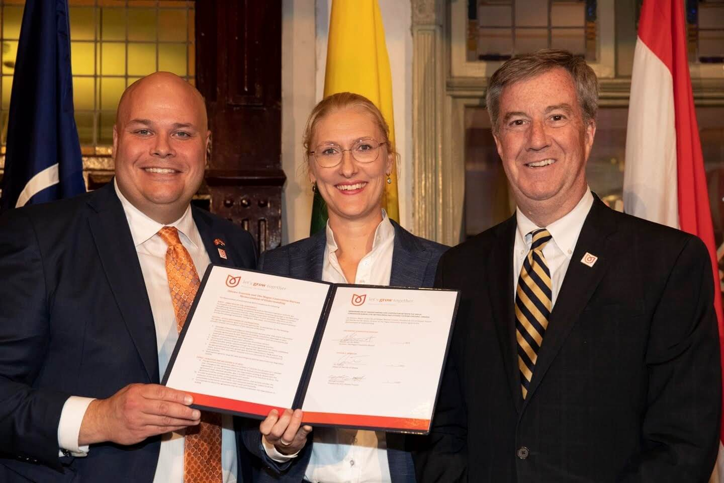 Ottawa Tourism and Hague Convention Bureau sign meetings and conference MOU