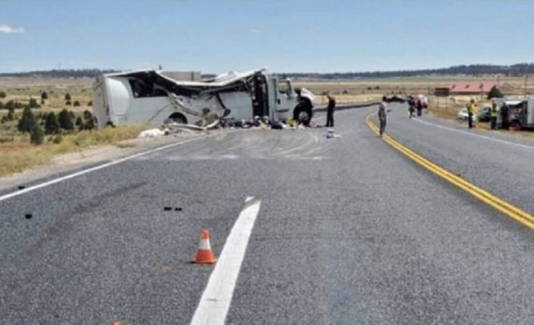 Utah tour bus crash: 4 Chinese tourists dead, all others critically injured