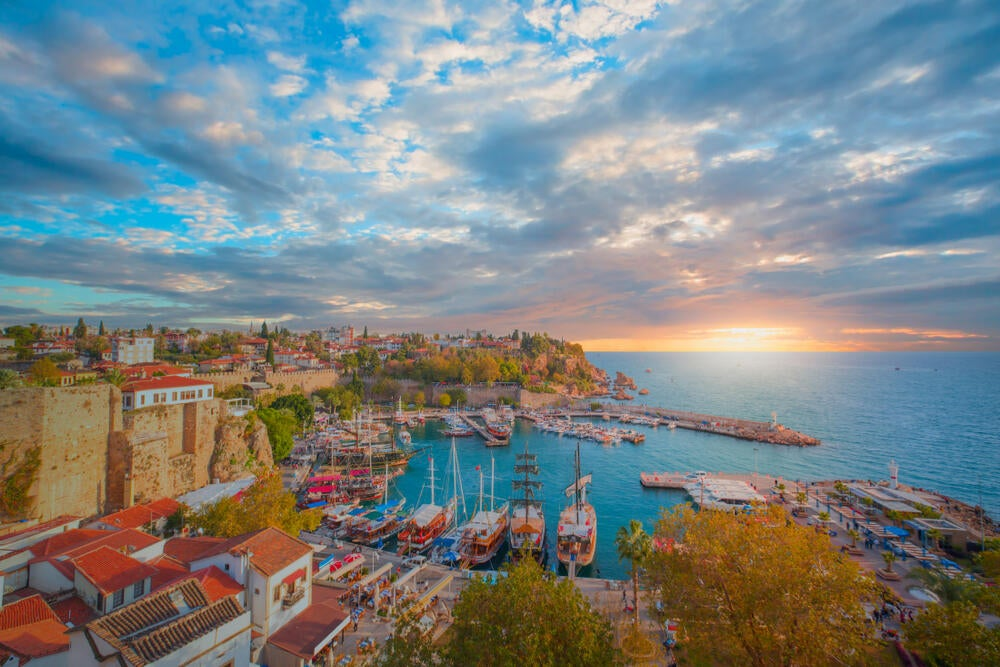 Russian and German Tourists continue to love Antalya
