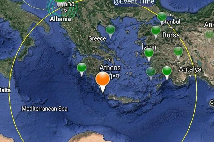 Tourists in Crete in for a violent awakening: Earthquake!