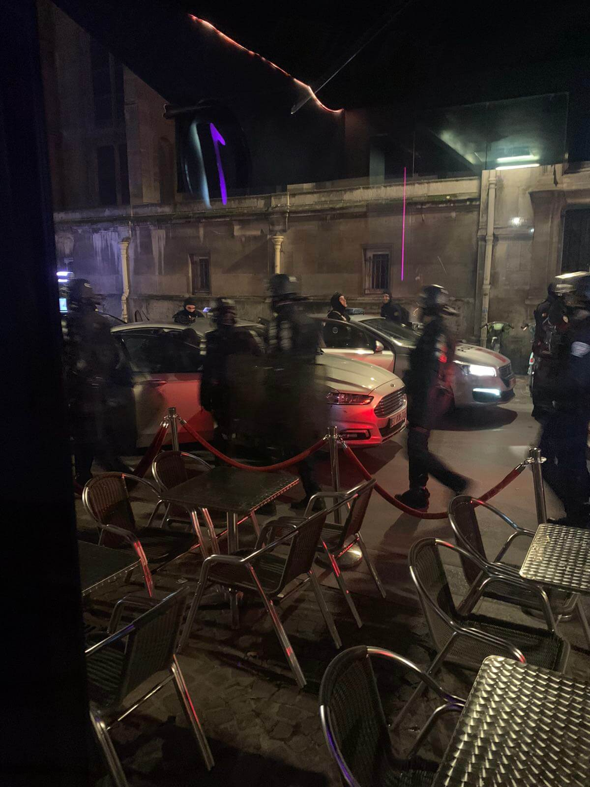An American tourist in Paris tonight: Spooky