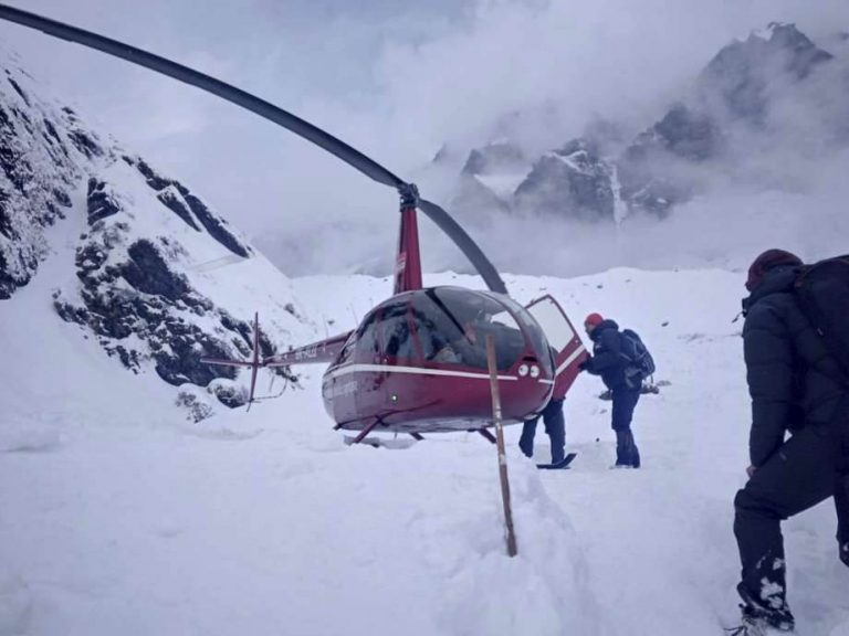Search for Himalayan avalanche survivors called off with 200 rescued, 7 still missing