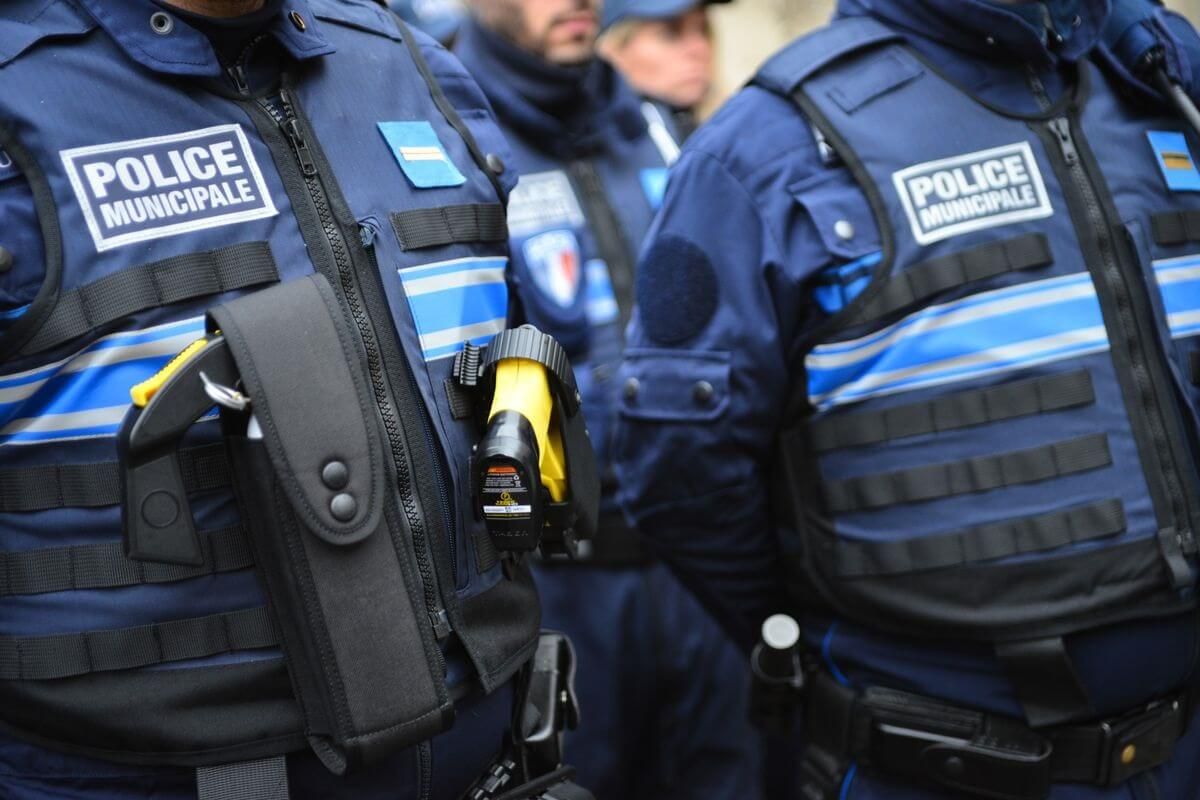 Two stabbed, one killed in Paris terror knife attack, attacker shot by police