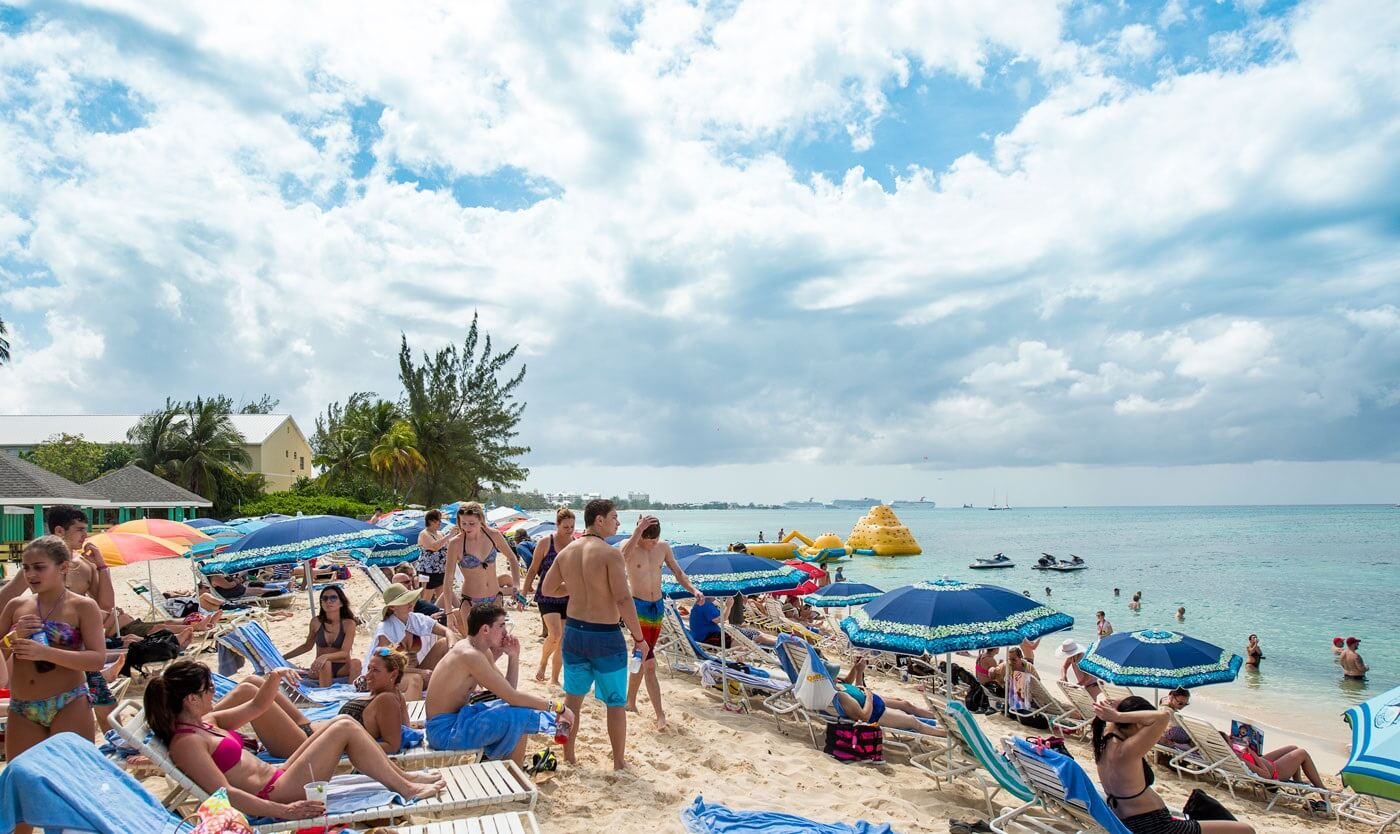 Cayman Islands: Over half million stayover visitors in 2019