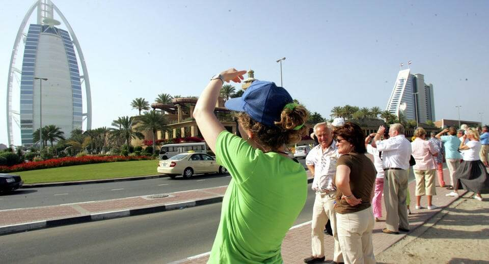 What crisis? Russian tourists not canceling their Middle East trips