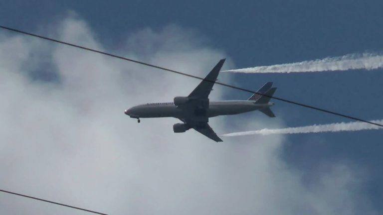 17 Children Injured When Boeing 777 Dumps Fuel on School Playground