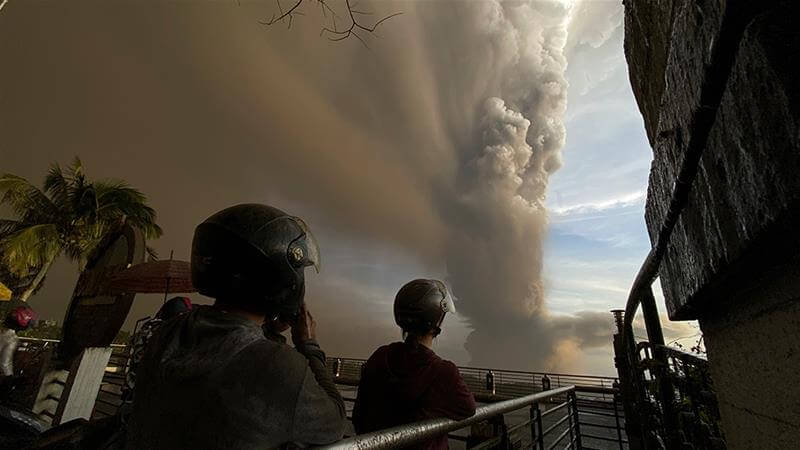 Volcanic Tsunami Warning: Manila airport closed