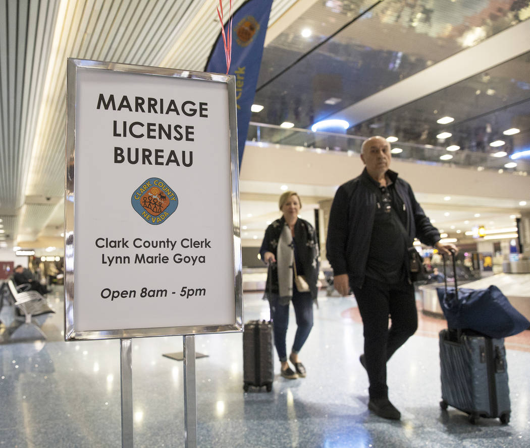 Pop-up marriage license office opens at Las Vegas Airport for Valentine's Day