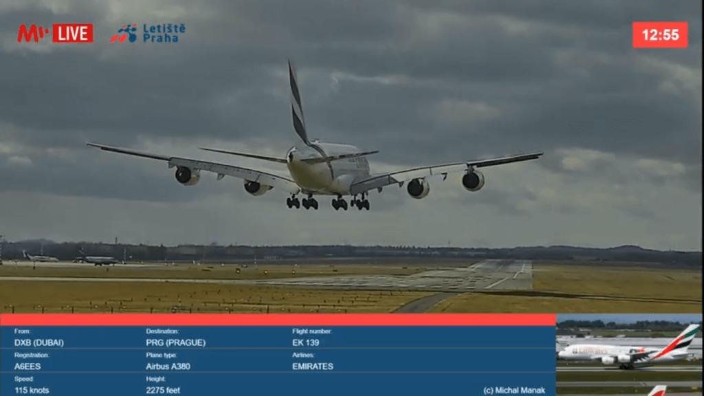 Prague Airport launches high-resolution live runway stream