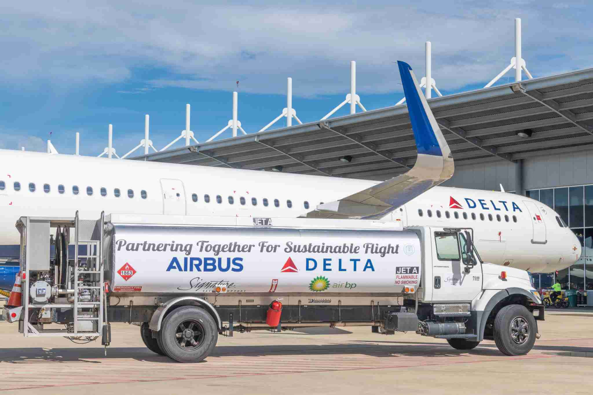 Delta commits $1 billion to become first global carbon neutral airline