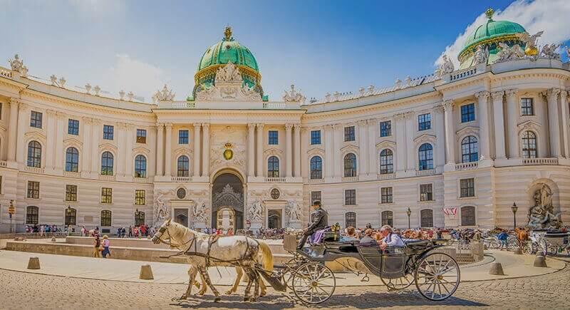 India Tourists: Vienna Tourism Waits for You